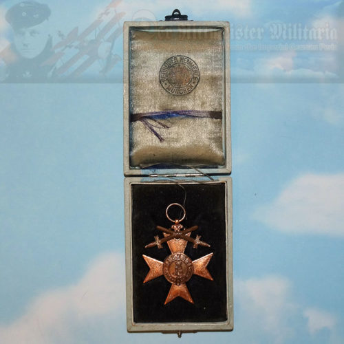 This is a Military Merit Cross with Swords from Bavaria. The decoration was first instituted in 1866 during König Ludwig II's reign. It was awarded to military personnel during peacetime and wartime.