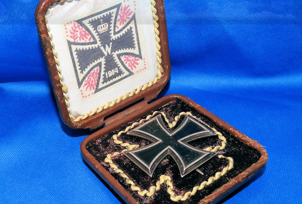 """GERMANY – IRON CROSS – 1914 – 1st CLASS NON VAULTED WITH """"CD"""" AND .800 SILVER HALLMARKS – CASED"""