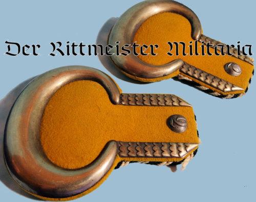 PRUSSIA - EPAULETTES - ONE YEAR VOLUNTEER - 3rd GARDE-ULANEN-REGIMENT - Imperial German Military Antiques Sale