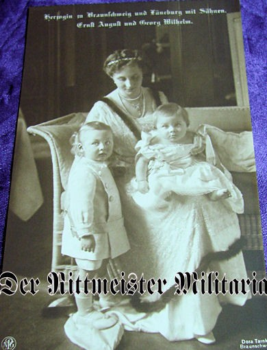 POSTCARD - DUCHESS - BRAUNSCHWEIG - TWO CHILDREN - Imperial German Military Antiques Sale