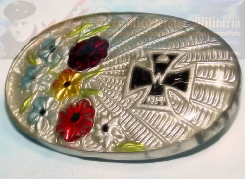 PATRIOTIC PIN - OVAL WITH IRON CROSS AND FLORAL MOTIF - Imperial German Military Antiques Sale