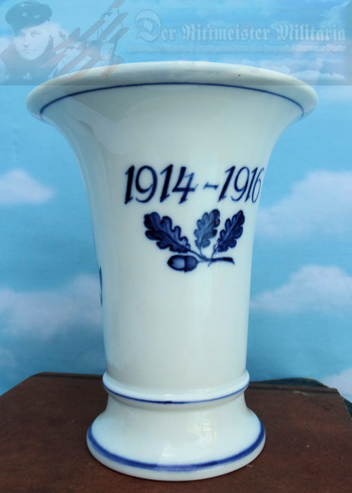 SAXONY - VASE - WITH KRIEGSFLAGGE - DATED 1914-1916 - MEISSEN